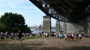 under the bridge, beim start